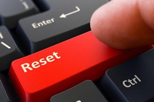Reset lại máy tính